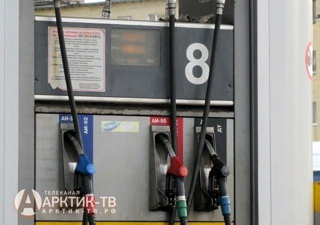 На АЗС Мурманской области упорно держат цены на бензин на одном уровне