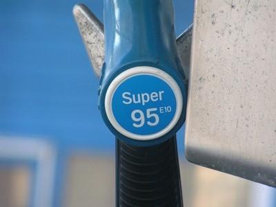 Названа средняя стоимость бензина в Калининграде