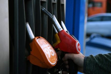 Обзор топливных цен: Стоимость бензина и дизтоплива в северных городах не изменилась
