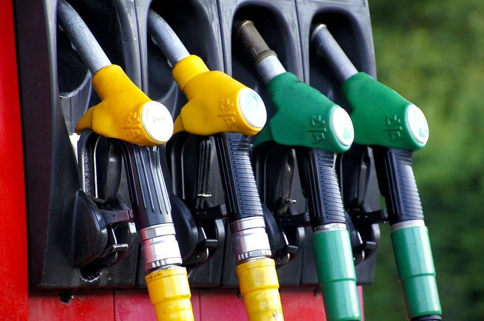 Повысились ли в Челябинске цены на бензин