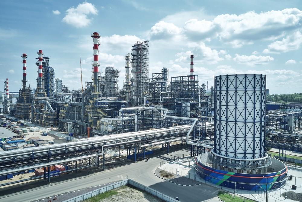 Производство бензинов в РФ за период 13-19 мая выросло на 8%, запасы топлива упали на 6%