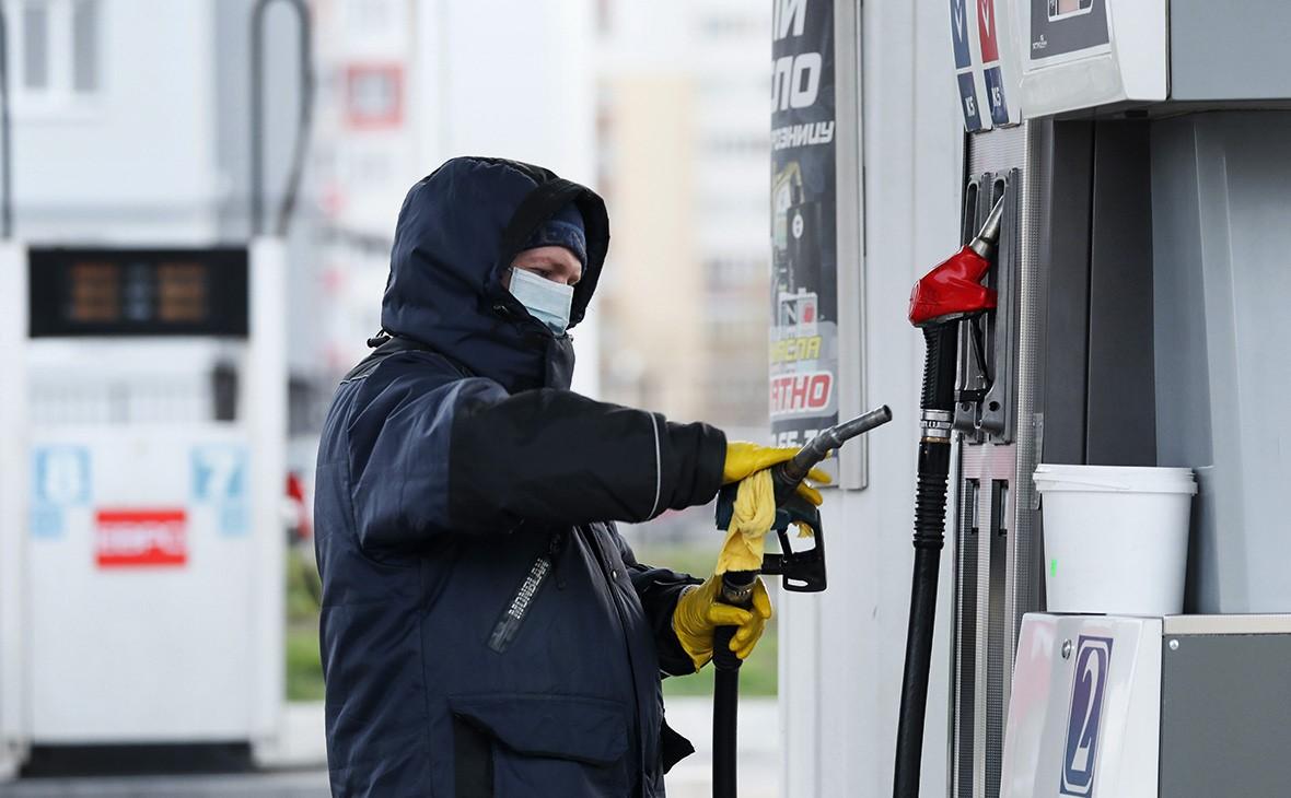 Путин поручил кабмину проработать вопрос уплаты топливного акциза на АЗС