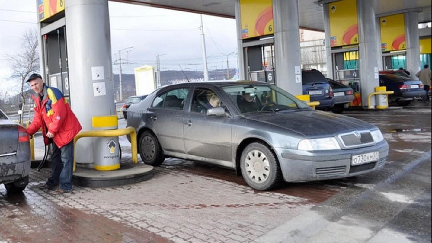 Снизились оптовые цены на бензин в Заполярье