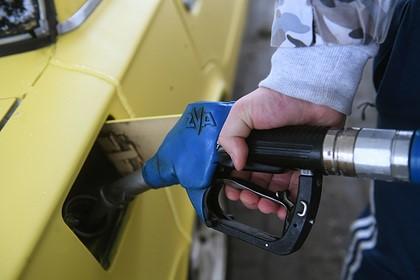 В Россию начали завозить дешевое топливо из-за рубежа