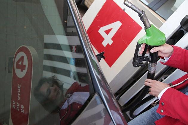 Эксперты: спрос на топливо в России без второй волны COVID стабилизируется в III квартале