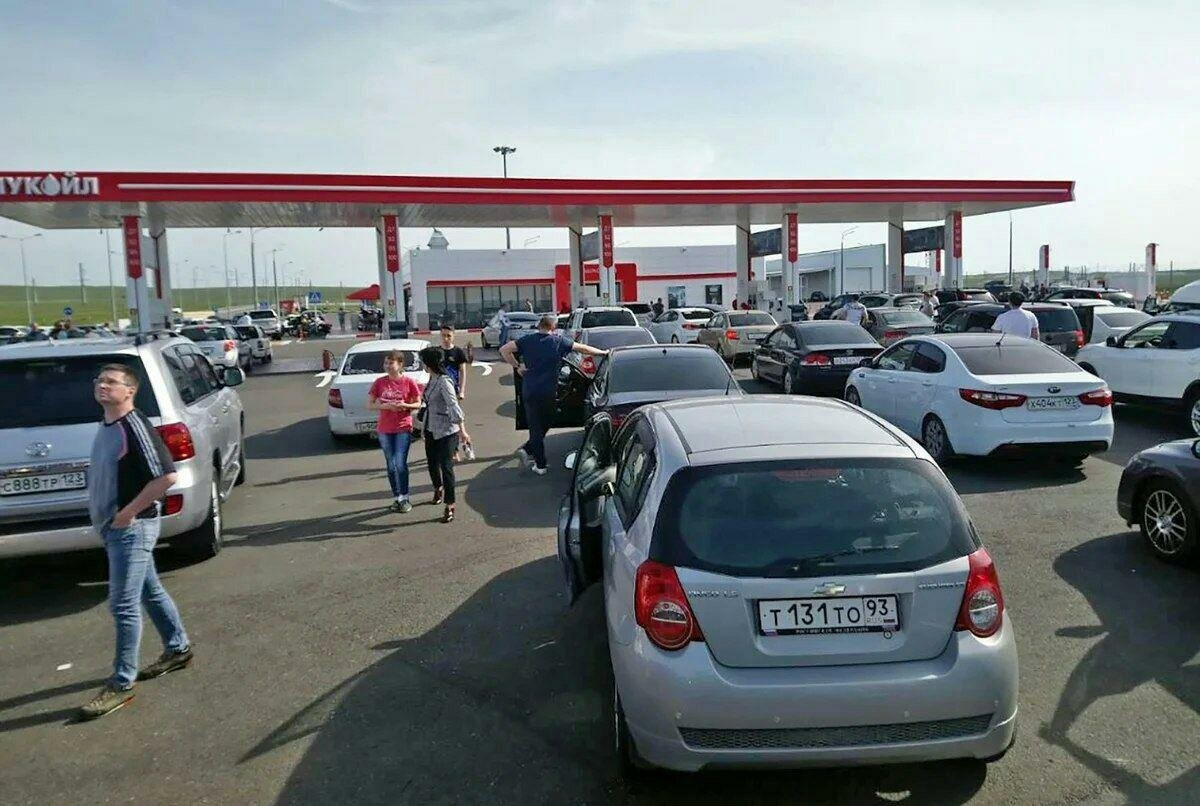Минэнерго ожидает восстановления производства бензина в июне, сокращения экспорта и роста поставок на рынок РФ