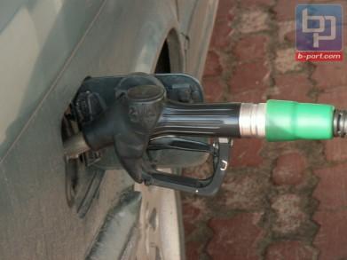 Ряд автозаправок в Мурманской области повысили цены на бензин