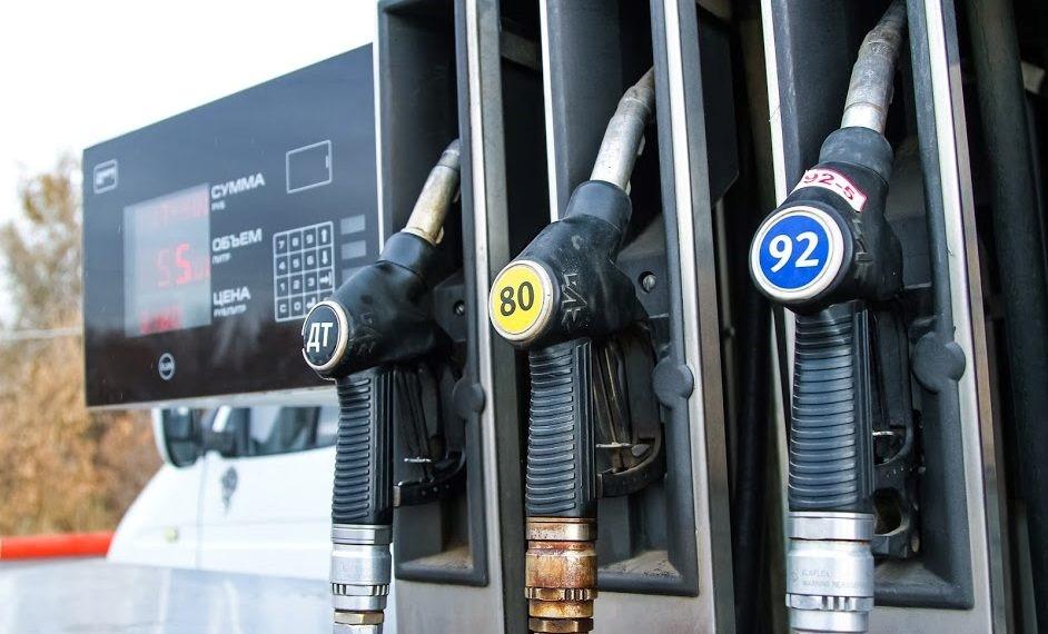 Цены на топливо на волгоградских АЗС за неделю не изменились