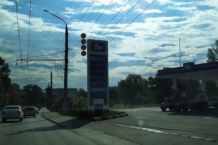 В Саратове ощутимо поднялись цены на бензин
