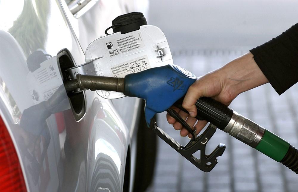 Обзор топливных цен: В Сургуте и Тюмени операторы повысили стоимость топлива, в Ханты-Мансийске — снизили