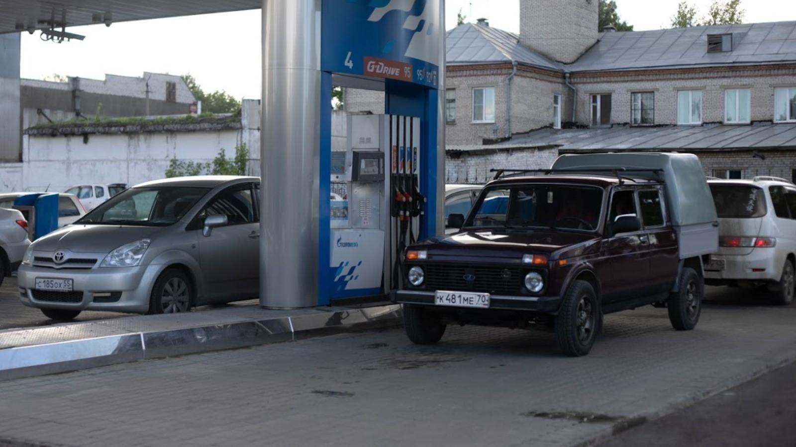 Дефицит бензина может больно ударить по ценам и ситуации в трети районов Алтайского края