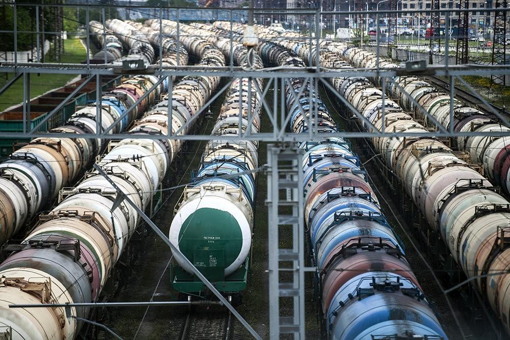Объемы продаж бензина и дизельного топлива на бирже будут увеличены