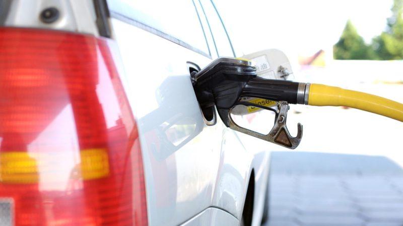 В Крыму спрогнозировали падение цен на бензин