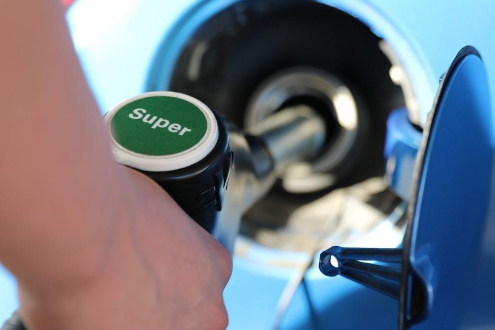 Бензин гонят на биржу. Власти Приморья приняли неожиданное решение