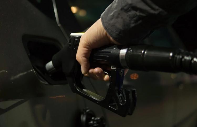 ФАС России проверяет информацию о дефиците бензина в Приморье