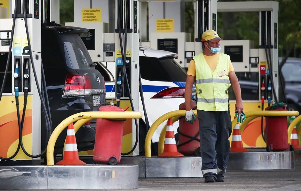 Оптовая цена бензина Аи-95 на бирже за неделю снизилась почти на 6%