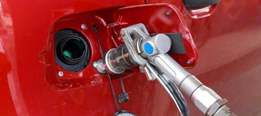 Регионам дадут еще больше субсидий для поддержки перевода авто с бензина на газ