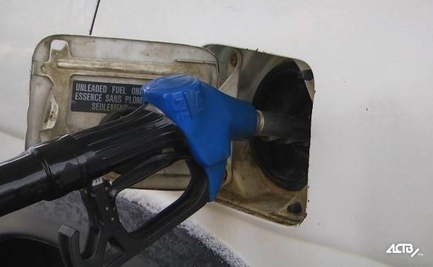 Восемь южно-сахалинских АЗС подняли цены на топливо на 1-2 рубля