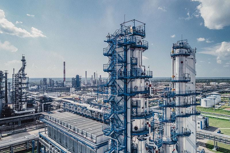 Производство автомобильного бензина в РФ в августе 2020 года снизилось по сравнению с тем же периодом годом ранее на 1,8% до 3,63 млн тонн, сообщается в материалах ЦДУ ТЭК.