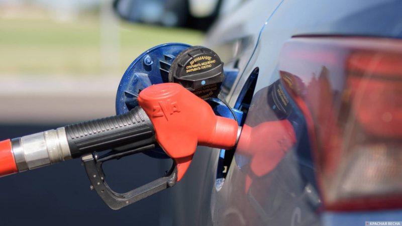 Интерфакс: вопрос переноса уплаты топливного акциза на АЗС снят с повестки