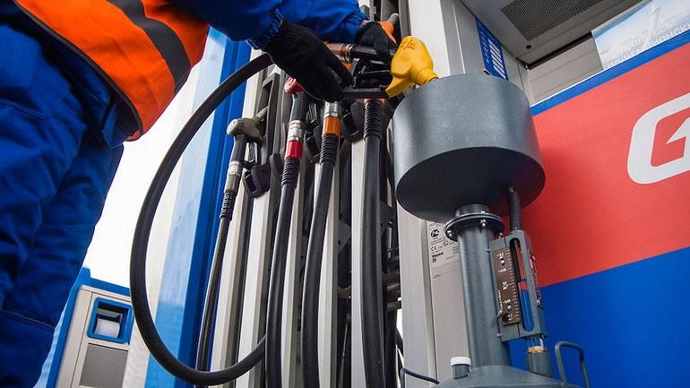 Контролеры Росстандарта начнут проводить экспресс-проверки топлива на АЗС