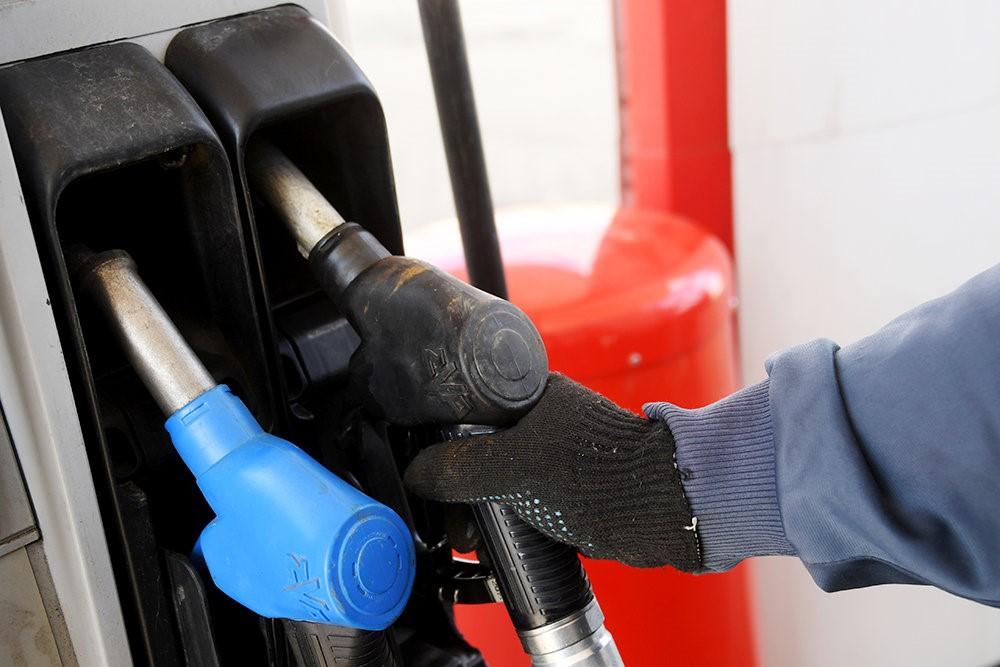ФАС и Минэнерго договорились о мерах сдерживания розничных цен топлива