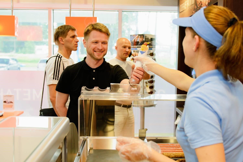 Траты россиян на кафе в новогодние каникулы выросли на 20%