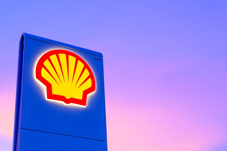 Компания Shell разрешила платить на своих автозаправках в России через СБП и WebMoney